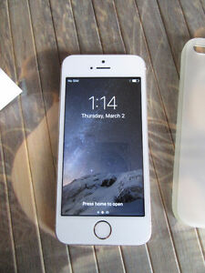 Apple iPhone 5S Gold 16GB Bell Virgin Excellent phone
