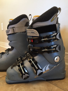 Atomic ski boots model Pro 90 White