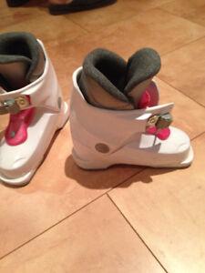 Girls ski boots (18.5) - Bottes de ski pour fille (18.5)