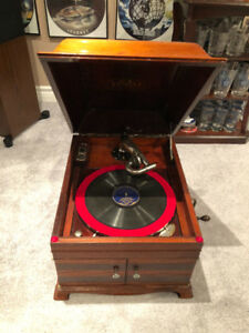 **SOLD** 1917 Victrola Gramophone Great Condition