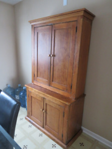 Hutch for dining room or kitchen