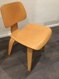 Charles Eames Plywood Chair - Original Vitra Classic
