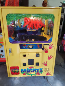 Dinosaur Crane Arcade Game, The Mighty Mini *Located in Moncton