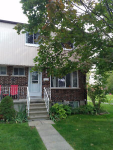 Well Maintained Townhome for rent