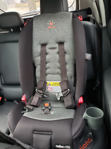 Car Seat - Infant/Child - For Sale Diono R120