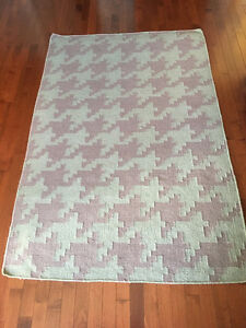 Hand woven flat weave houndstooth Rug 3'6 x 5'6