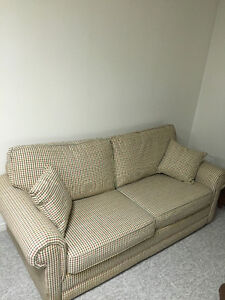 Buy Or Sell A Couch Or Futon In Grand Bend Furniture Kijiji Classifieds