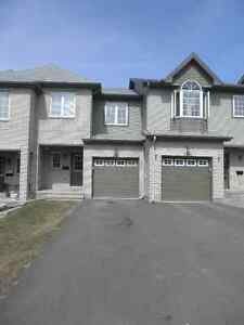 Spacious 3 Bedroom Townhome in Orleans for Rent !!