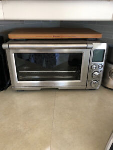 Breville Toaster Oven and cutting board