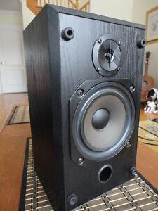 B&W V201(200 series) Pro Studio speaker for sale(just one!!!)