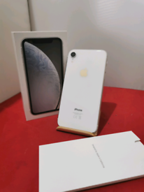 iPhone XR White 64gb Unlocked in Prestine Condition comes boxed