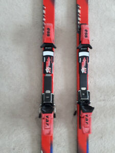 DOWNHILL SKI BUNDLE - 205 CM ADJ BINDINGS  POLES - 125 CM  & BAG