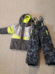 Boys size 5 snow suit