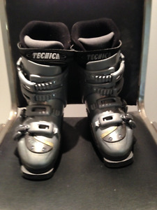 Nordica Ski Boots - Size 5 - Like Brand New