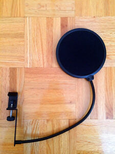 CAD trion 8000 + Behringer XENYX Q802USB + Mic stand+ Pop filter West Island Greater Montréal image 9