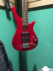 Dillion 4 String Active Bass West Island Greater Montréal image 2