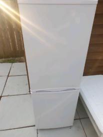 5ft white fridge freezer can deliver