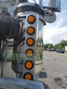 Kenworth T800 external air breathers