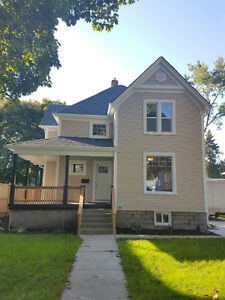 Beautiful fully renovated home in heart of Sarnia!!