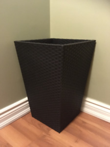 (NEW) Outdoor Tall Square Plastic Wicker Planter
