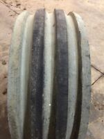 For Sale 4 rib tractor tire 16.5L x 16.1 tubeless