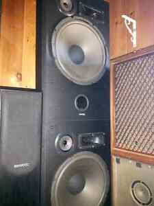 Selling everything as a lot price. Audio equipment, amp speakers