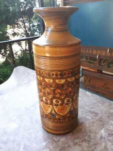 Denby retro 1970 Studio Pottery vase signed