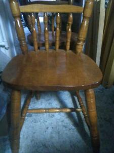 3 chaises de salle a manger / 3 wooden diner chairs