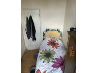 Single Room - Great Location Wimbledon all BILLS INCLUDED
