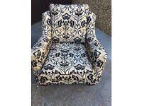 Multiyork sofa, 2 chairs and 2 foot stools