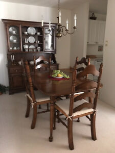 Vilas Dining room table &chairs