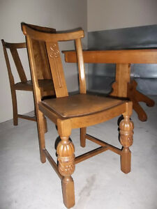 solid wood extendable dining table Kawartha Lakes Peterborough Area image 3