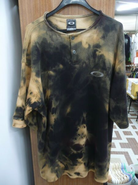 OAKLEY Collarless TIE DYED Short Sleeved TShirt Size LARGE One of a kind Unique