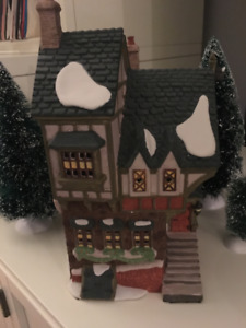 """Department 56 """"The Pied Bull Inn"""" Retired Dickens Village by DEP"""
