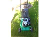 Self propelled petrol lawnmower - Briggs and stratton
