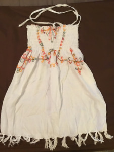 NEW never worn Mexico beach dress fits size 3-4