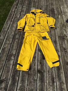 Wetskin Boaters Rainsuit Yellow Mens London Ontario image 1