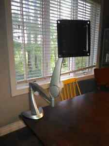 Ergotron Neoflex LCD computer monitor arm London Ontario image 5