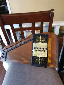 ANTIQUE AUTOHARP/ZITHER w ORIGINAL CASE AND INSTRUCTIONS