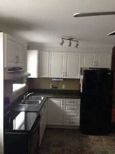 2 bedrooms for rent - April.