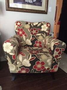 Red/Tan Living Room Chair