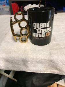 Grand Theft Auto brass knuckle mug