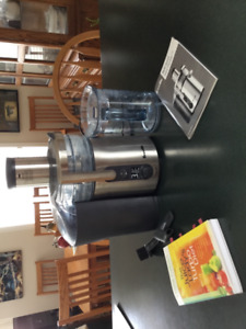 Breville Multi-Speed Juice Fountain for Sale
