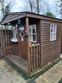Play house / shed