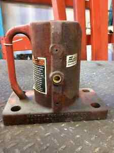 Pneumatic Vibrators Cambridge Kitchener Area image 1