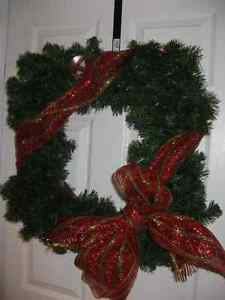 New with tag 30 inch Square faux Wreath $20.00 Windsor Region Ontario image 3