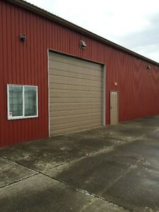I-2 commercial shop/warehouse space on Cousins Ave, Courtenay Comox / Courtenay / Cumberland Comox Valley Area image 1