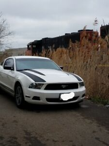 2010 v6 4liter mustang coupe with dual