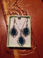 Beautiful Swarovski earring and necklace set for sale!