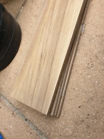 5 X Wood effect tiles